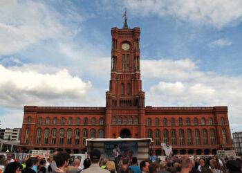 Anti Wowereit-Demo vor dem Roten Rathaus Berlin