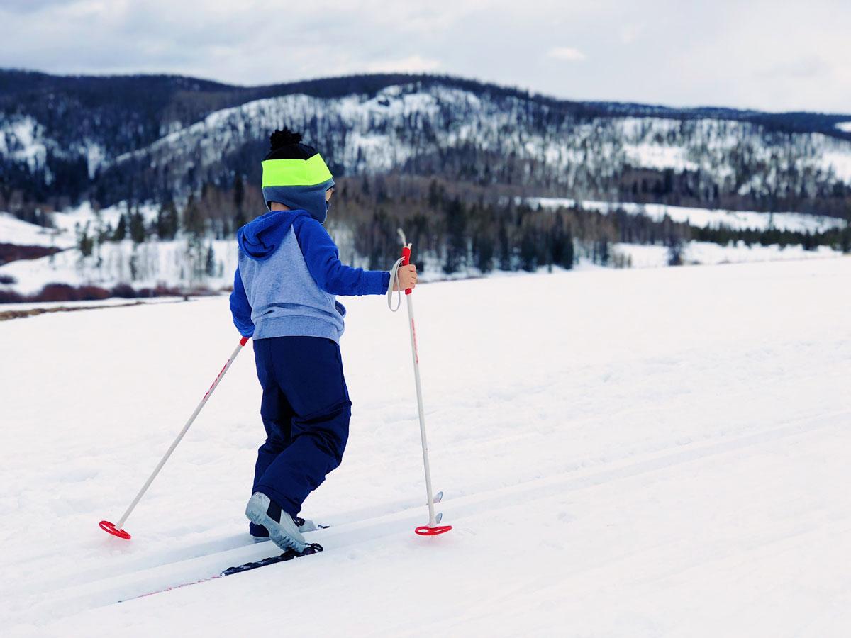 junge bei Skilanglauf