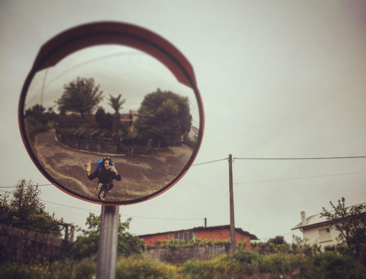 Lena im Selfie im Spiegel