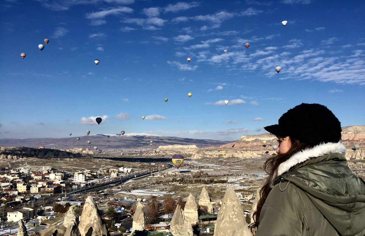 Ballons im Gebirge