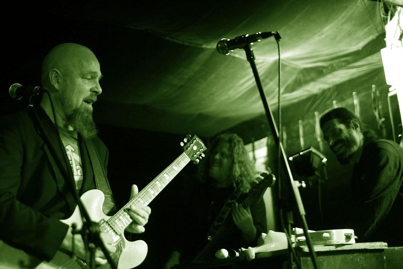 Berlin Boogaloo – Soul und Funk, die direkt in die Seele und die Beine gehen. Gewürzt mit einer guten Prise Jazz und Psychedelic Rock.