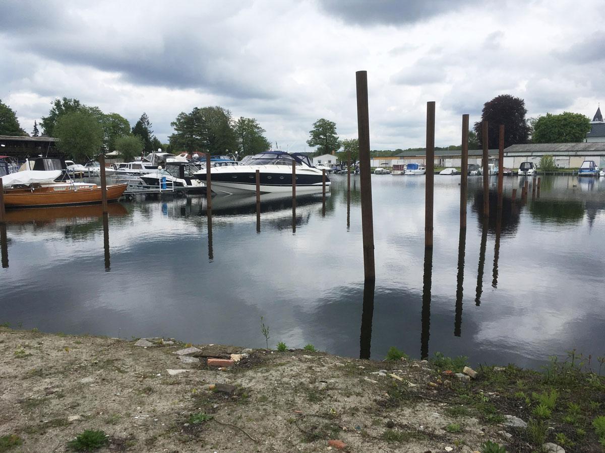 Der Rotsch-Hafen in Schmöckwitz ohne Insel