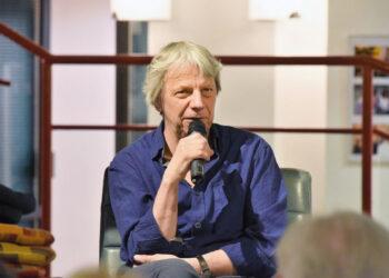 Der Regisseur Andreas Dresen im Publikumsgespräch in der Mark-Twain-Bibliothek in Berlin Marzahn