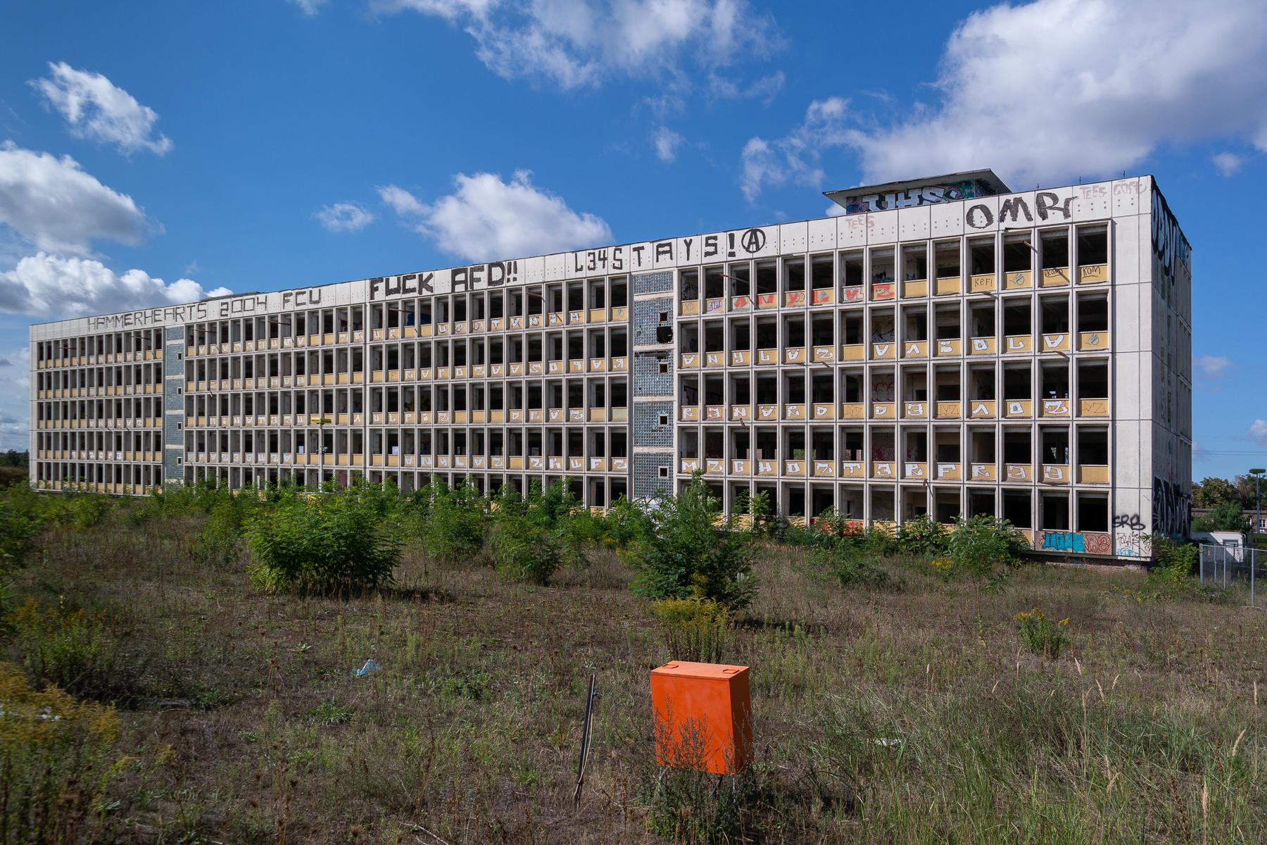 Funkhaus Ruine mit Baustrom