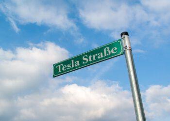Zufahrt zur Tesla Baustelle