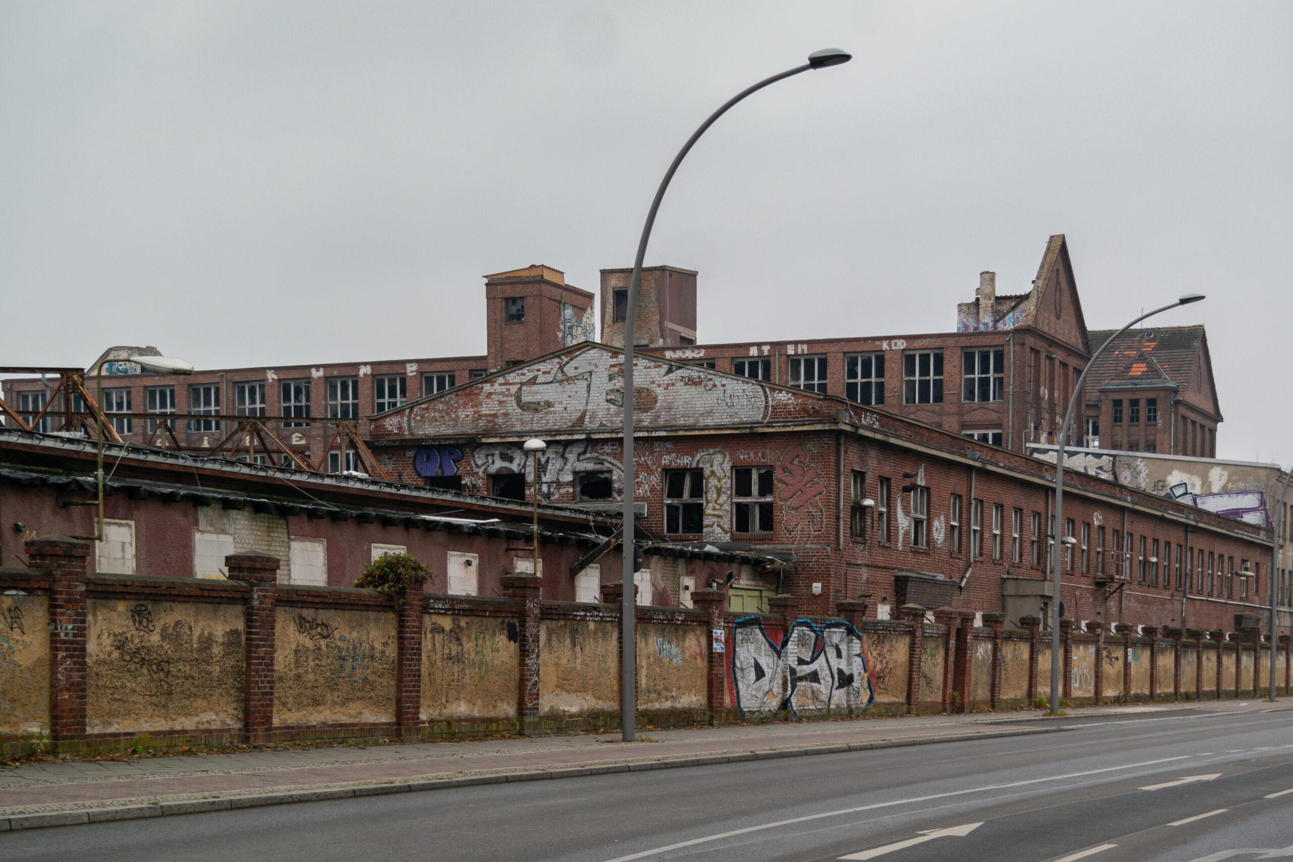 Ruine des ehemaligen Kabelkraftwerks Köpenick an der Friedrichshagener Straße