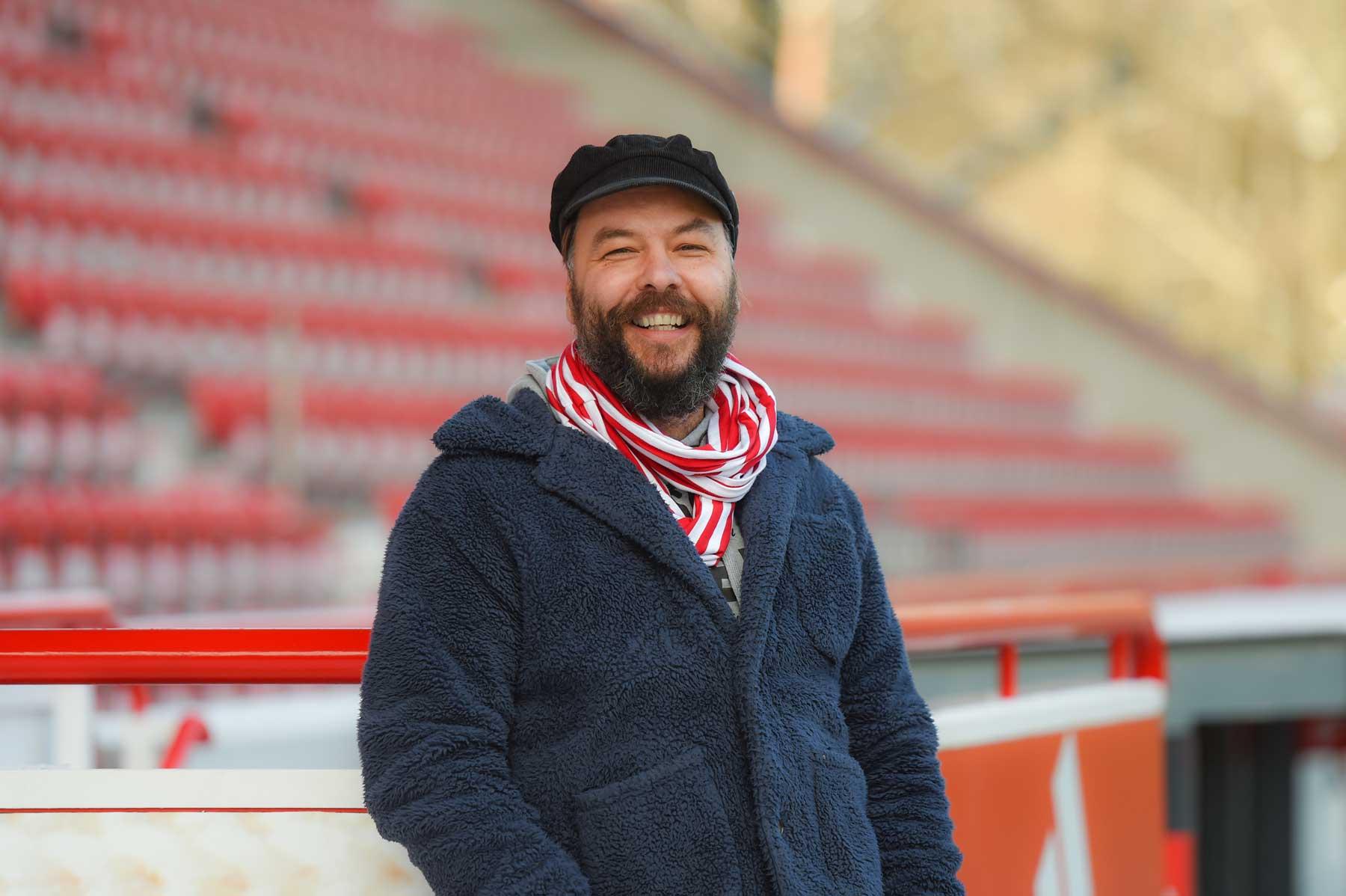Christian Arbeit im leeren Stadion an der Alten Försterei